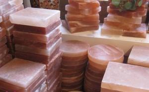 Làm thế nào để sử dụng và bảo quản viên đá muối nướng Himalaya?