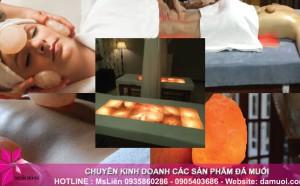 Massage body thư giãn bằng viên đá muối nóng Himalaya