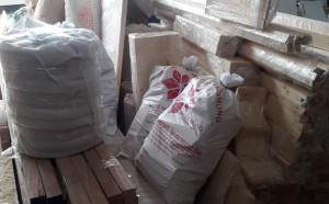 Chuyến xe chở nguyên vật liệu công trình spa Jjimjilbang Cẩm Phả đã lăn bánh