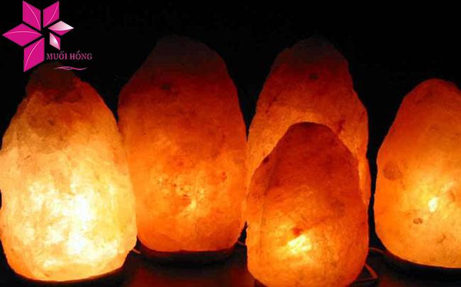 Đèn đá muối có tác dụng gì đối với phụ nữ sau sinh1