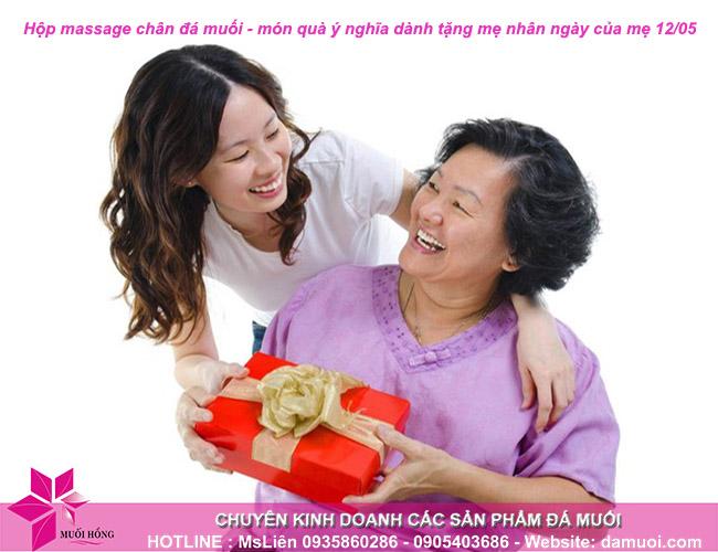 hộp massage chân đá muối – món quà ý nghĩa nhân ngày của mẹ 12 05 1
