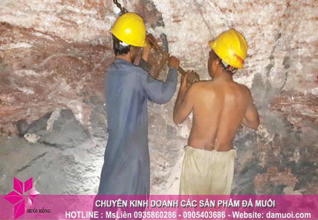 hình ảnh khai thác đá muối himalaya tại mỏ đá kherwa của pakistan 4