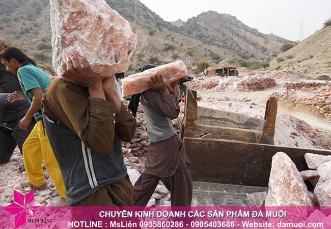 hình ảnh khai thác đá muối himalaya tại mỏ đá kherwa của pakistan 5