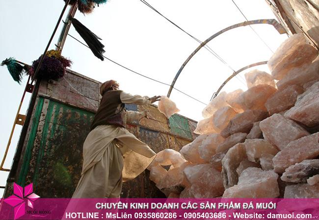 hình ảnh khai thác đá muối himalaya tại mỏ đá kherwa của pakistan 8