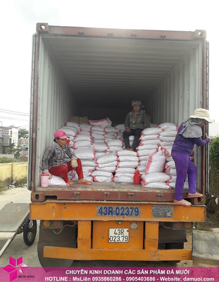 25 tấn đá muối himalaya đã nhập kho muối hồng group 1