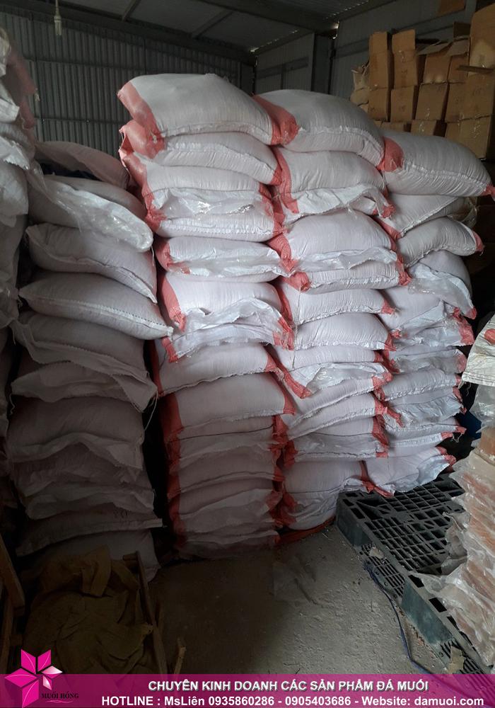 25 tấn đá muối himalaya đã nhập kho muối hồng group 6