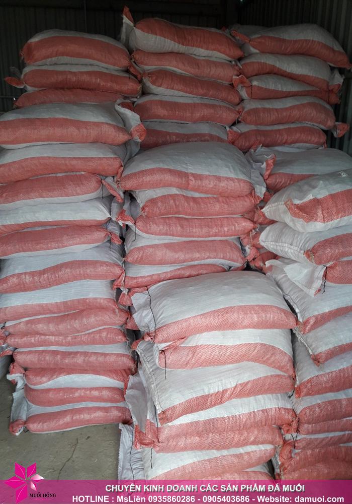 25 tấn đá muối himalaya đã nhập kho muối hồng group 7