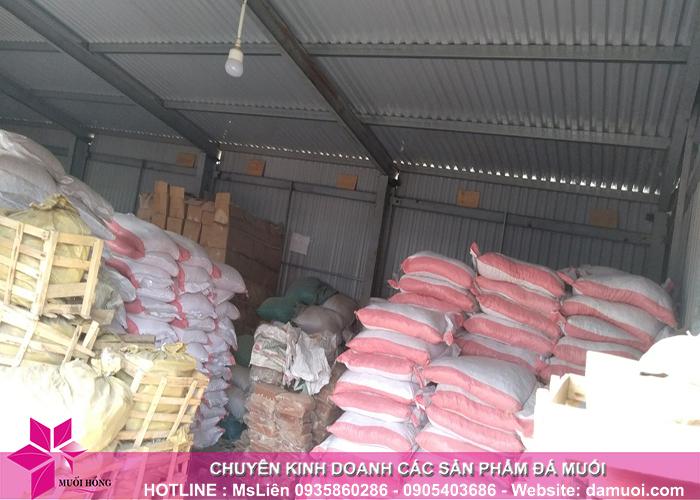 25 tấn đá muối himalaya đã nhập kho muối hồng group 9