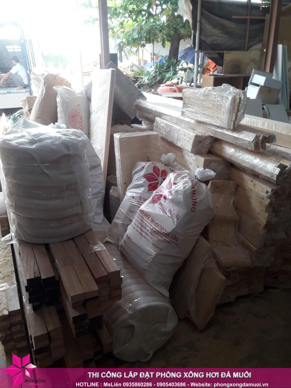 chuyến xe chở nguyên vật liệu công trình spa jjimjilbang cẩm phả đã lăn bánh 3