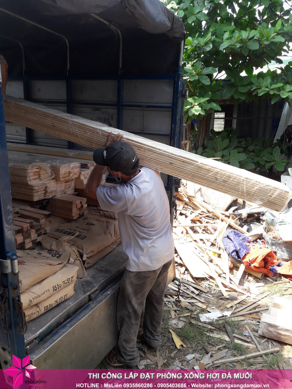 chuyến xe chở nguyên vật liệu công trình spa jjimjilbang cẩm phả đã lăn bánh 5