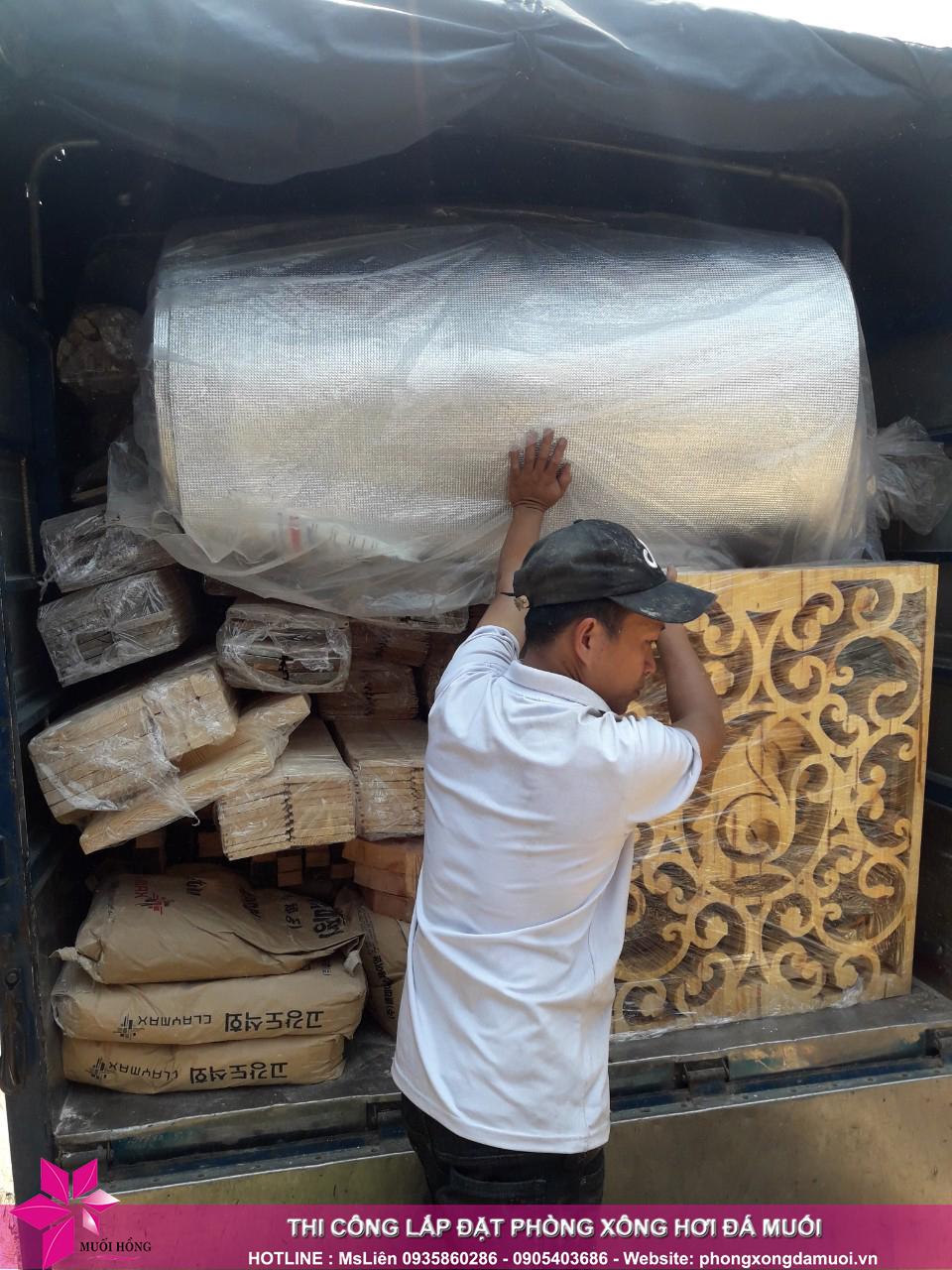 chuyến xe chở nguyên vật liệu công trình spa jjimjilbang cẩm phả đã lăn bánh 7